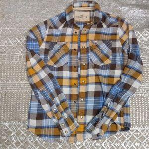 Hollister plaid shirt size small